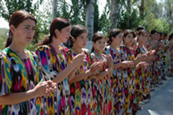 Uzbeki girls in national dresses