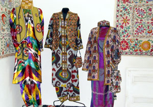 Uzbek women's national robe
